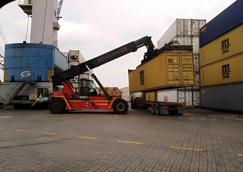 Konecranes Reach Stacker at Dole, Equador
